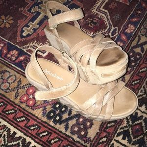 Antelope Sandal Wedges Size 7